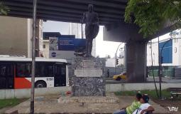 Памятник, фотографирование которого с нашей стороны привело к интересу со стороны местных жителей Панама Сити