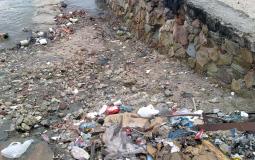 Совсем нечистая набережная старого города Панама Сити