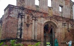 Еще одна стена от какого-то разрушенного древнего здания старого  города Панама Сити