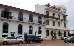 Отреставрированный жилой дом в районе старого города Панама Сити - наверняка не для простых смертных)
