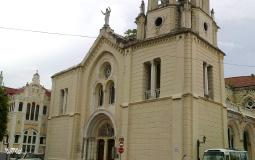 Действующая и очаровательно красивая церковь старого города Панама Сити
