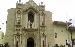 Несмотря на то, что Панама Сити не богата древностями, церкви оформлены под старину.