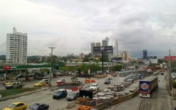 Некоммерческое реальное фото жизни города Панама Сити в самый обыкновенный день за пределами туристического центра города.