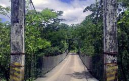 Этот мост из фильмов про южноамериканские сокровища, а также из моих мостовых страхов. Чуть было не развернулась! Кальдера Хот Спрингс, Панама