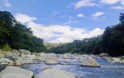 К сожалению, фотография не может на 100% показать всю красоту этой реки. Хот Спрингс, Панама
