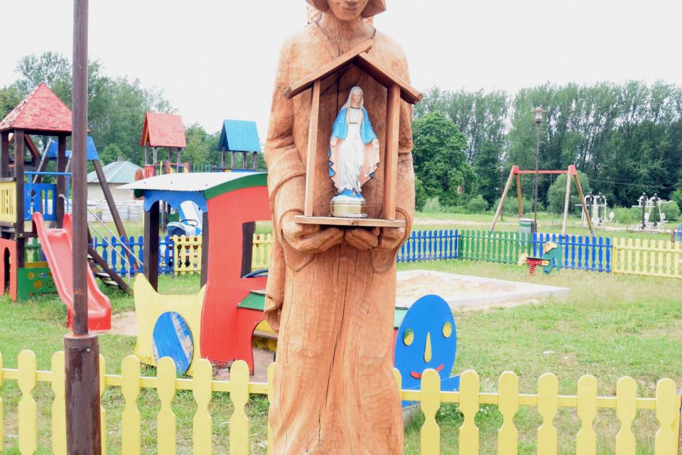 Ангел-зайка! Костел Святого Михаила Архангела. Ивенец, Беларусь