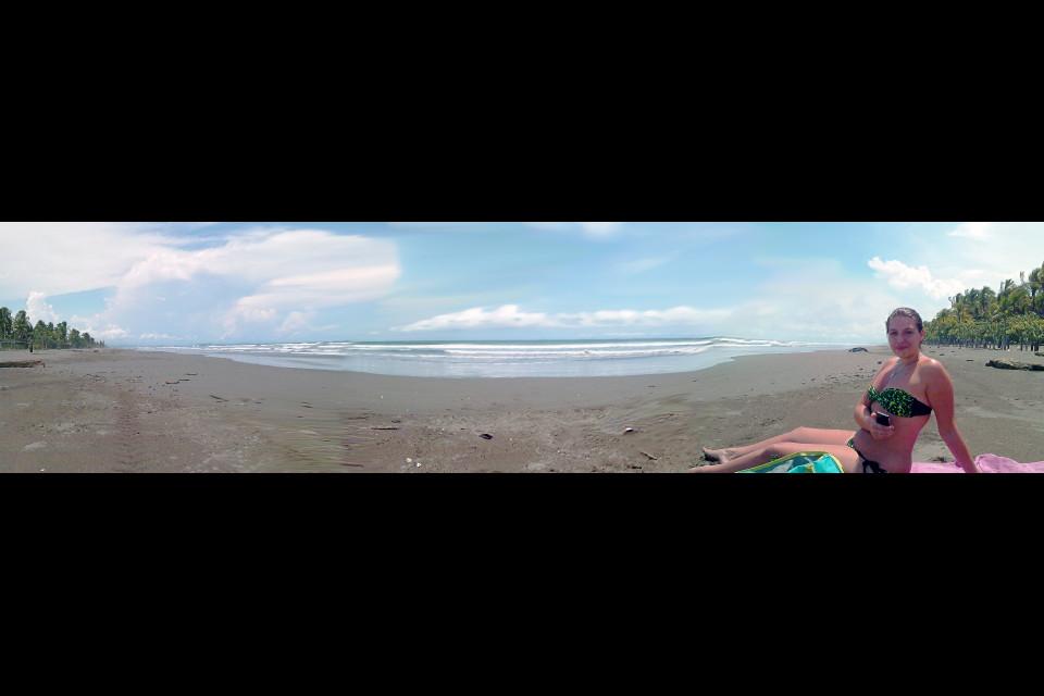 Панорама Тихого океана и русскоговорящая француженка Эмма. По-моему, прекрасное зрелище! Лас Лахас, Панама