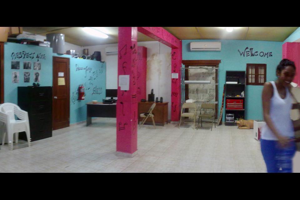 Танцевальная школа и панамка-танцевщица Татиана. Было весело! Портобело, Панама