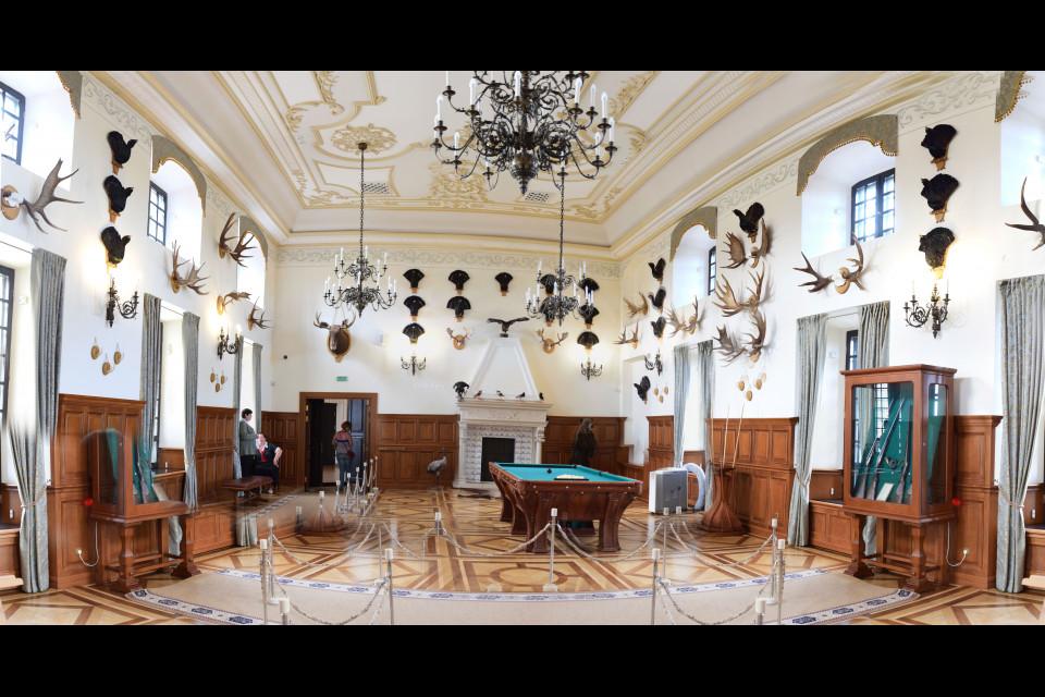 Жуткая комната для любого вегана, но такова она - трофейная зала. Несвижский замок, Несвиж, Беларусь