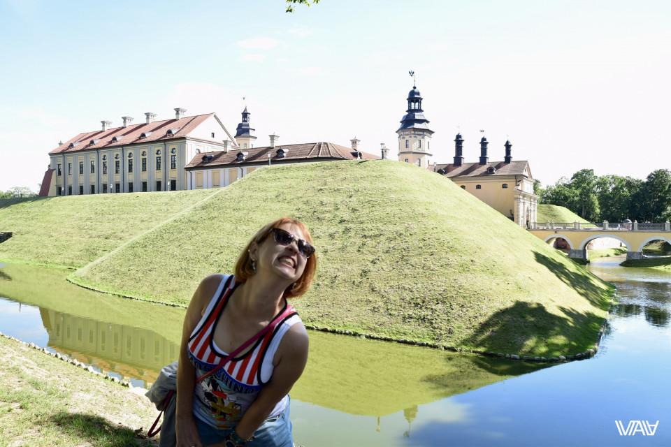 Это она просто представила, что замок в ее собственности. Несвижский замок, Несвиж, Беларусь