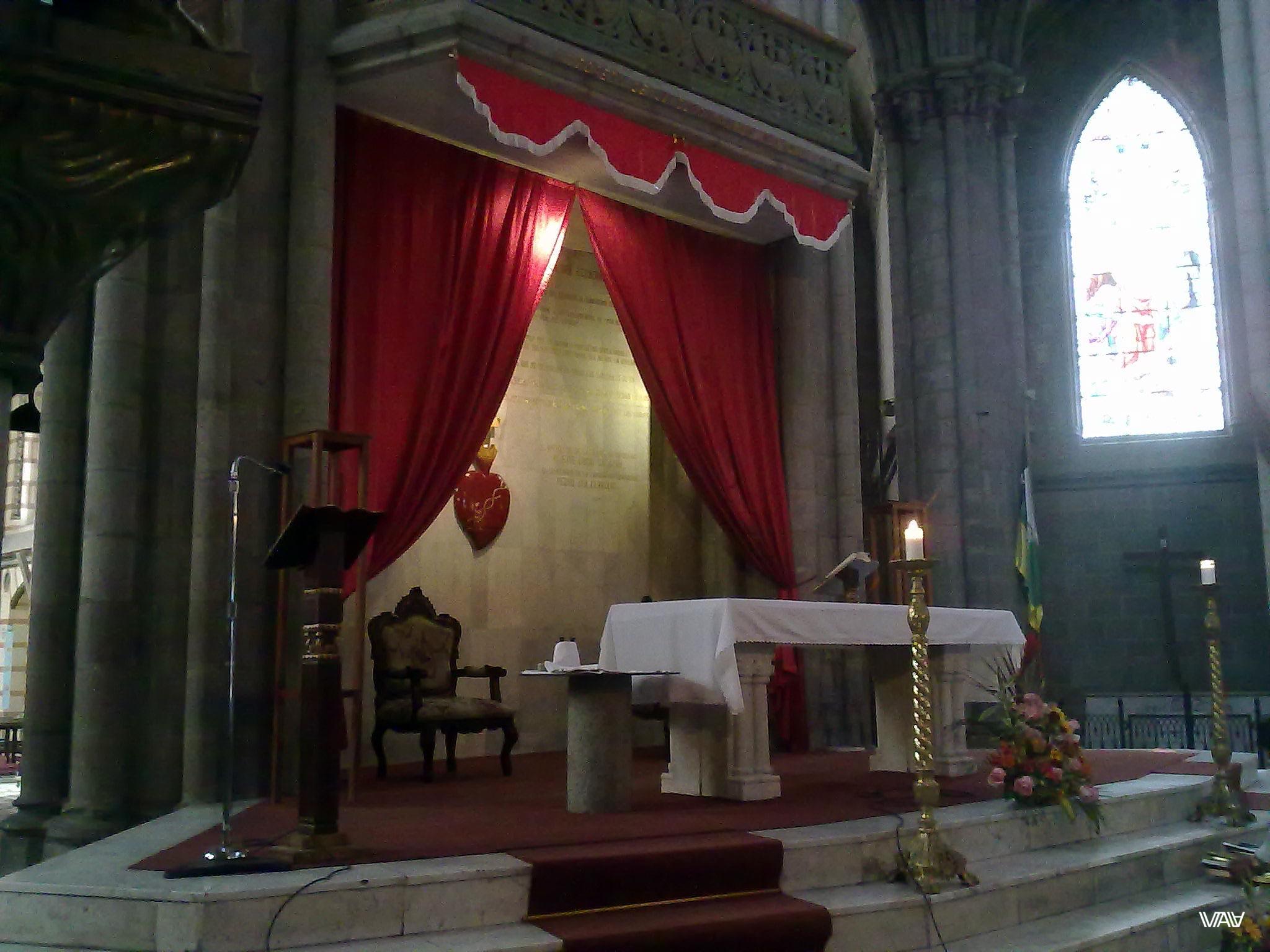 Мини версия Ватикана и Папского рабочего места. Базилика дель Вото Насьеналь, Кито, Эквадор