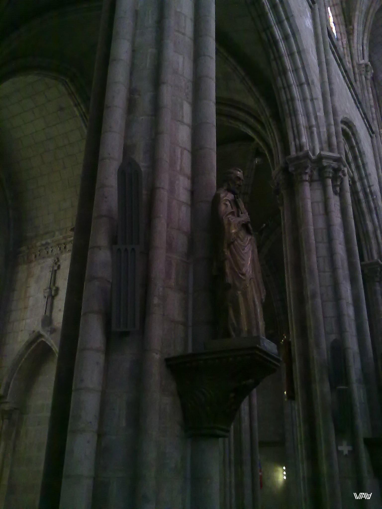 Не менее детализировано сделаны скульптуры в Базилике дель Вото Насьеналь. Кито, Эквадор