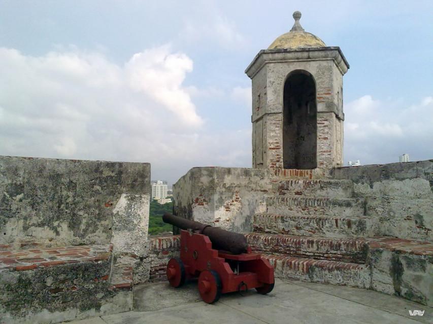 Life has changed a lot since the last shot of this gun. Fuerte de San Felipe De Barajas, Cartagena, Colombia